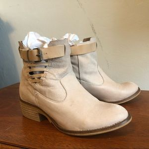 Ankle high booties leather cream buckles quality
